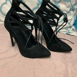 Shoes - Pointy heels